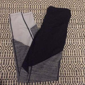 Old Navy Active color blocked leggings